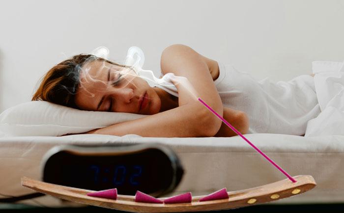 एक अगरबत्ती करा सकती है आरामदायक नींद का अनुभव।
